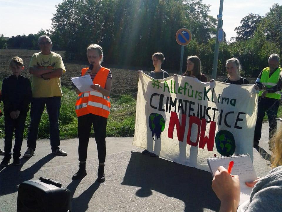 Insa hält die Start-Rede zum Globalen Klimastreik in Selm