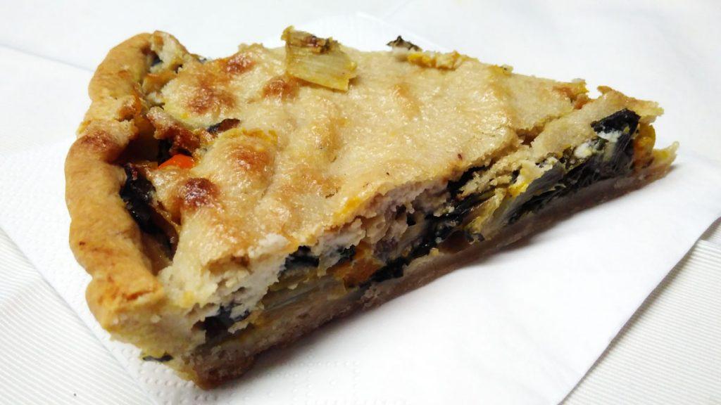 Kürbis-Mangold-Tarte mit Cashew-Guss